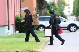 Polisens bombtekniker arbetade med det misstänkta föremålet i Linköping.