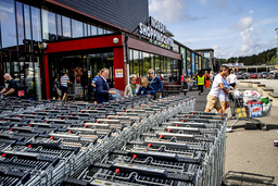 Norrmännens växande gränshandel i Sverige förklaras av stora prisskillnader jämfört med vad mat och dryck kostar i Norge.